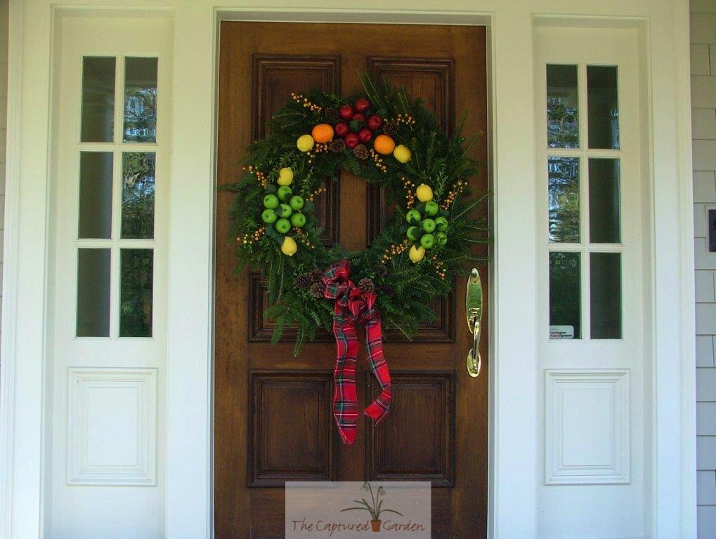 seasonal-wreath-doorway-garden-fruit